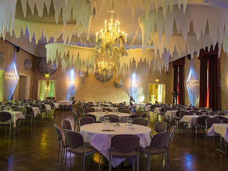 OPUS-Marketing-News-Stadt-Bayreuth-Ball-der-Stadt-winterliche-Fantasiewelt