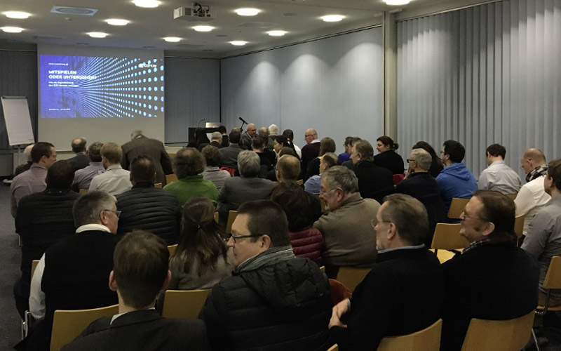 OPUS Marketing / Vortrag / Digitalisierung / Neue Materialien Bayreuth