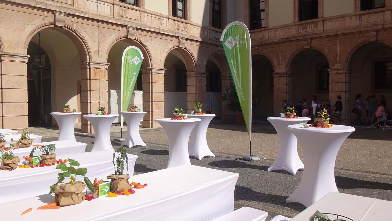 OPUS Marketing / Projekte / Ernährung / Bayerische Ernährungstage / Fachsymposium / Dekorationumba