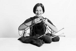 OPUS Marketing / Karriere / Mitarbeiterinterview / Martina Feldbaum / Projektleitung / Team Grün / Stricken