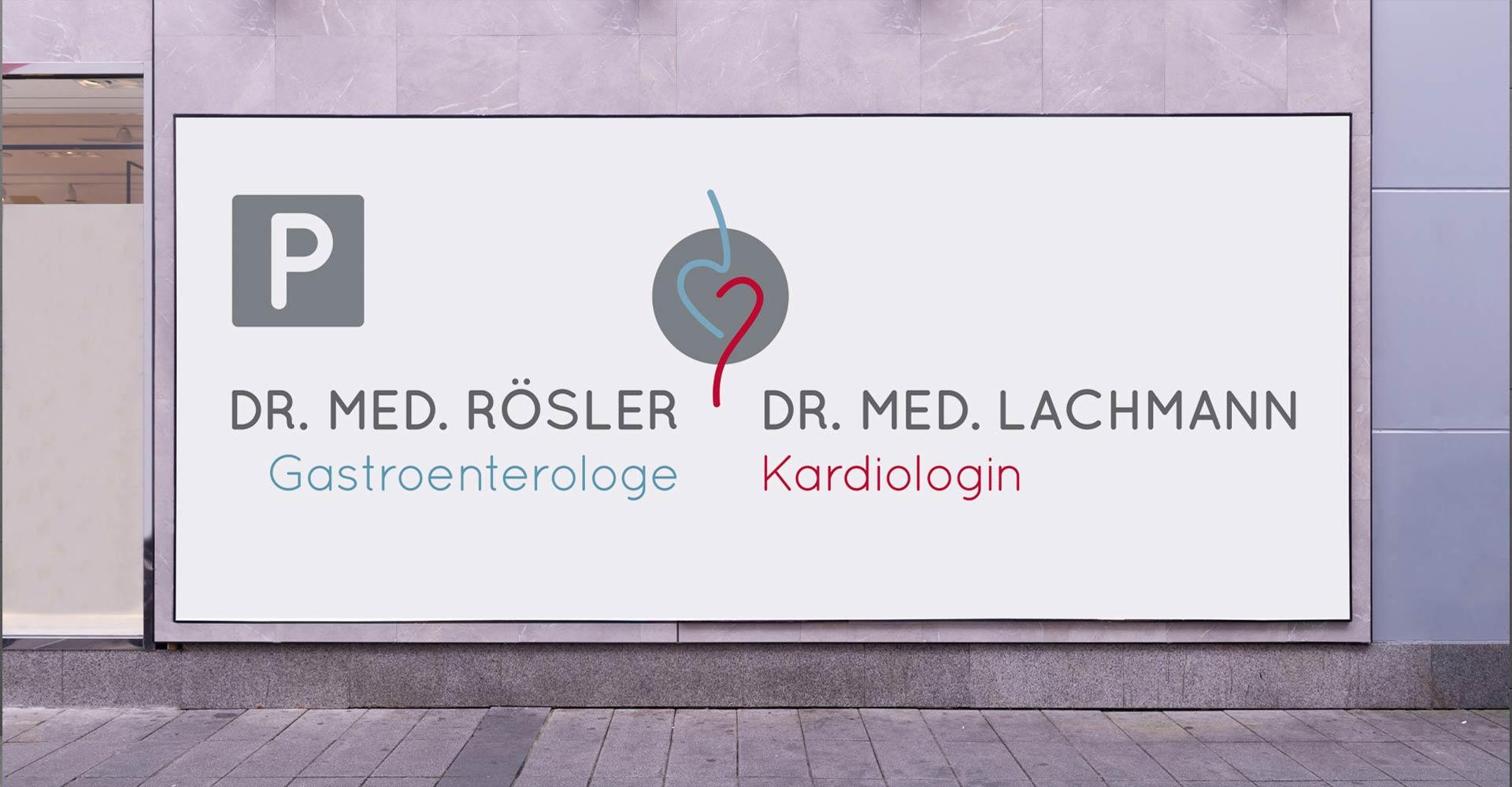 OPUS Marketing / Dr. Rösler und Dr. Lachmann / Praxisausstattung Parkplatzschild